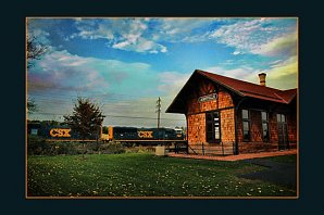 csx_at_annville_station_border